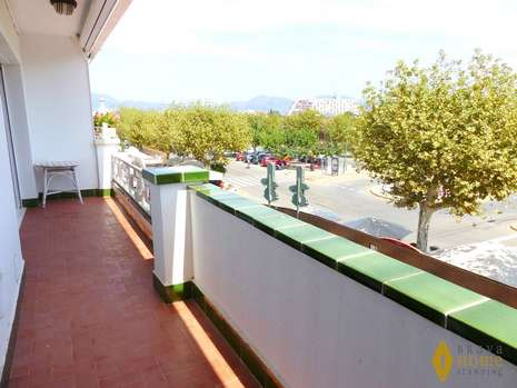 Apartment in the center of Empuriabrava, for sale