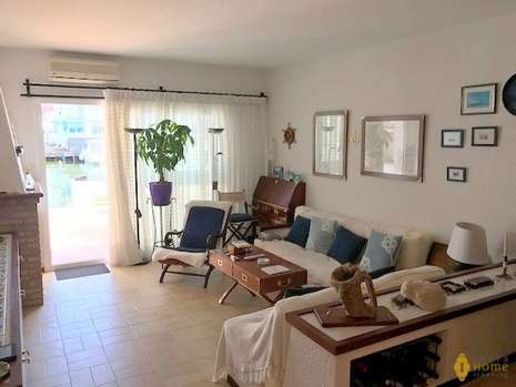 Beautiful house for sale in Rosas - Santa Margarita
