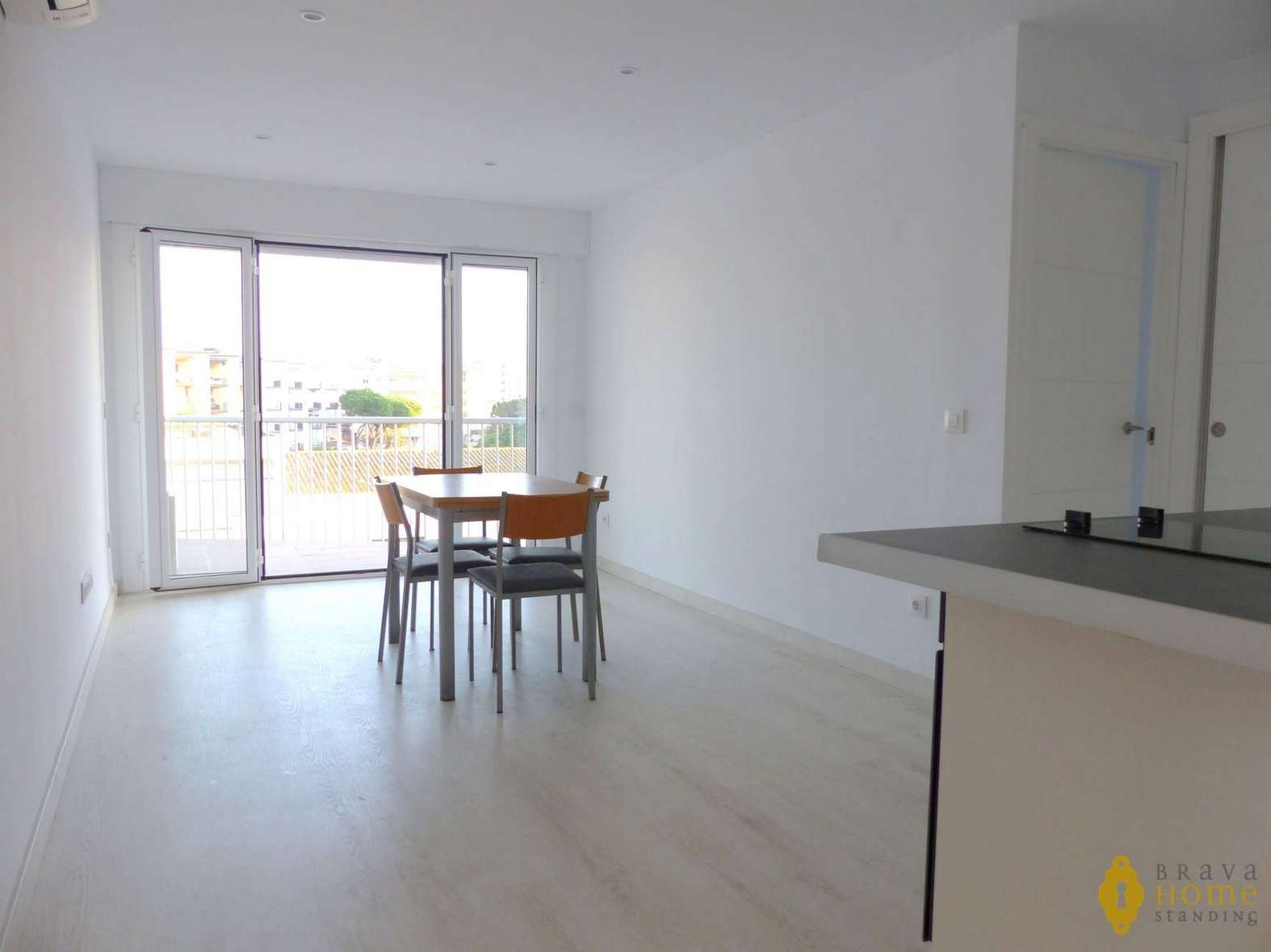 Renovated apartment with view over the canal for sale in Santa Margarita