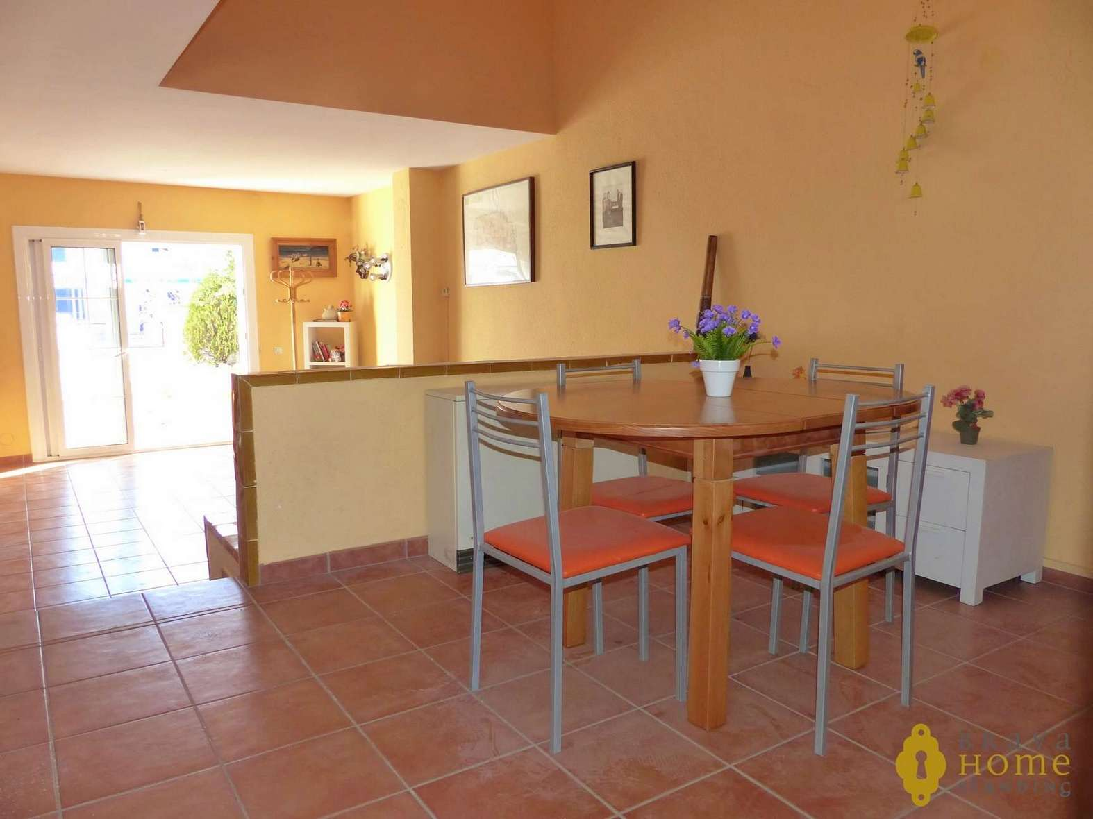 Beautiful house with mooring for sale in EMPURIABRAVA