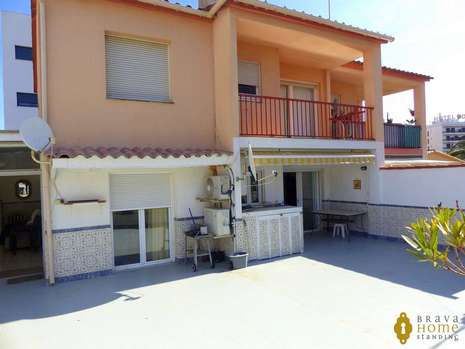 Apartment with 70m2 terrace at 100m from the beach of Rosas - Santa Margarita