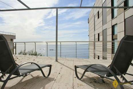 Beautiful apartment on the seafront, for sale in Rosas - Canyelles