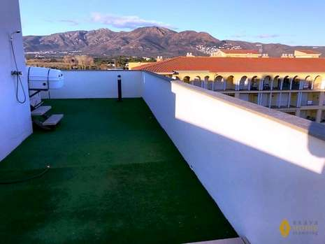 Beautiful penthouse with private swimming pool, for sale in Rosas - Santa Margarita