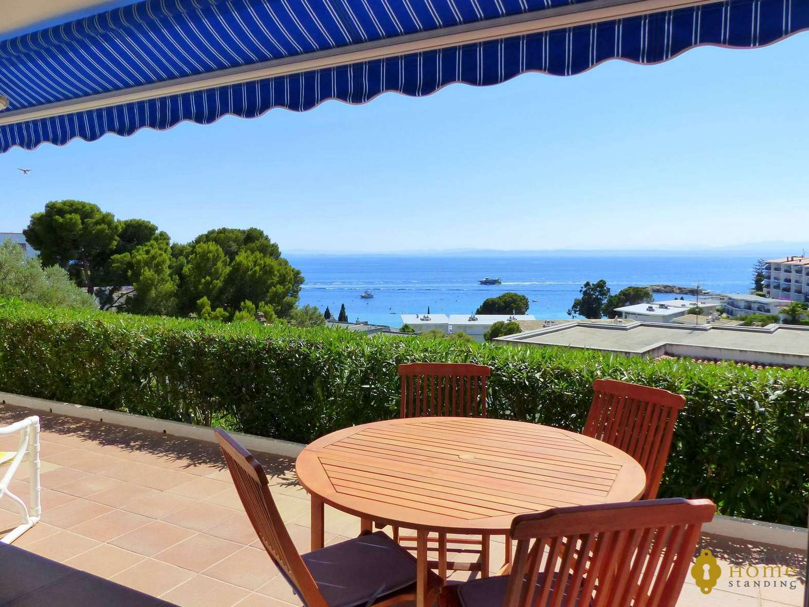 Beautiful apartment with sea view, for sale in Rosas - Almadrava