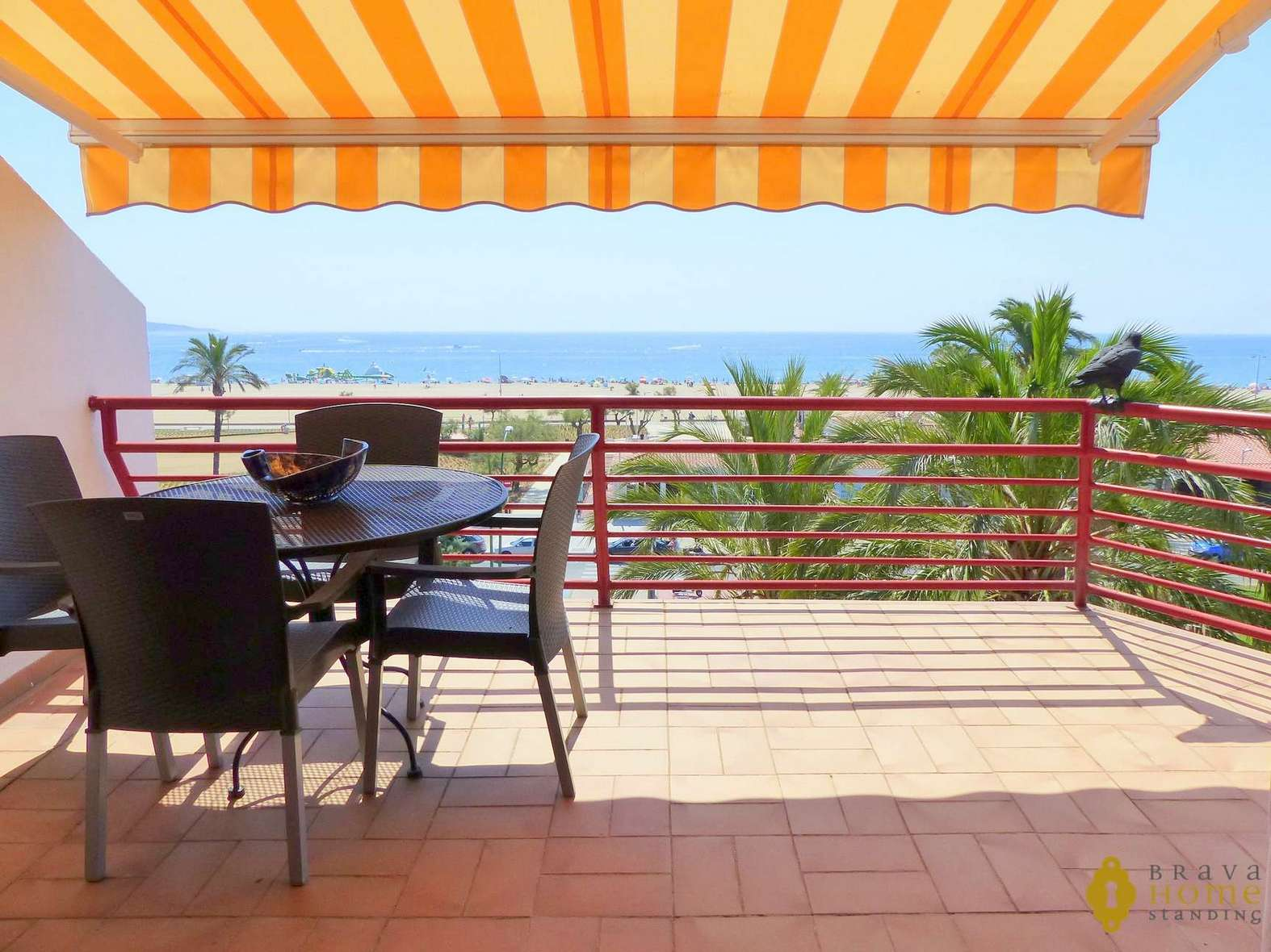 Beautiful apartment in 1st line of sea, for sale in Empuriabrava
