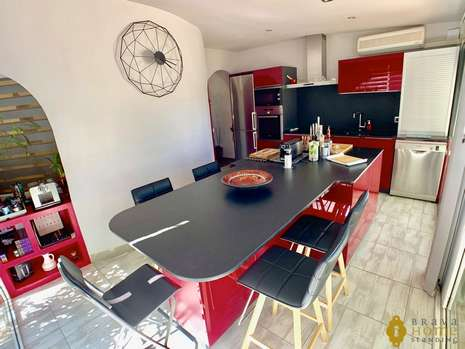 Beautiful house  for sale in Empuriabrava
