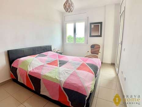 NICE 2 BEDROOM APARTMENT WITH POOL FOR SALE IN EMPURIABRAVA