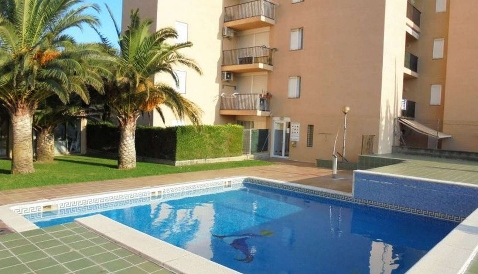 Beautiful 2 bedroom apartment with parking and pool, for sale in Santa Margarita