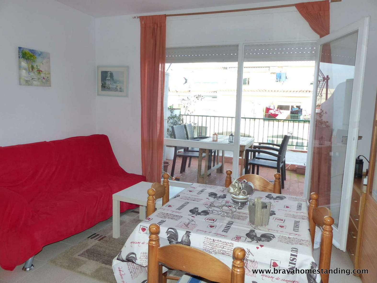 Apartment with pool and parking for sale in Empuriabrava