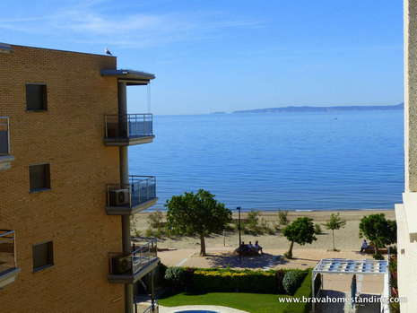 Superb apartment with lateral sea view for sale in Salatar - Rosas